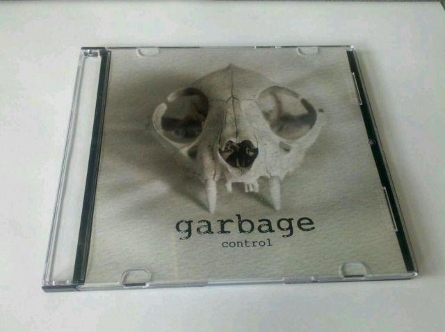 http://www.garbage-discography.co.uk/wp-content/uploads/2012/08/T2eC16VHJHoE9n3Ke4-kBQNi3t7-OQ60_58.jpg